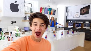 WE OPENED AN APPLE STORE IN MY HOUSE!!