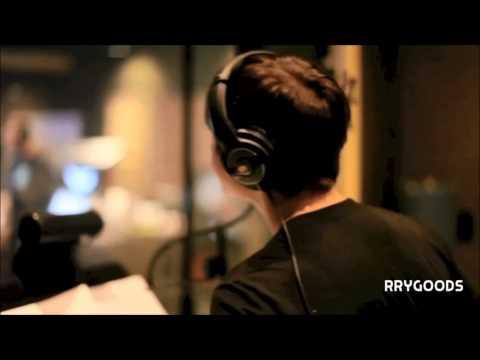 justin bieber singing in the studio - best vocals