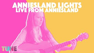 Zoe Graham performs Anniesland Lights, Live and Acoustic   Howlin' To The Wind   TUNE