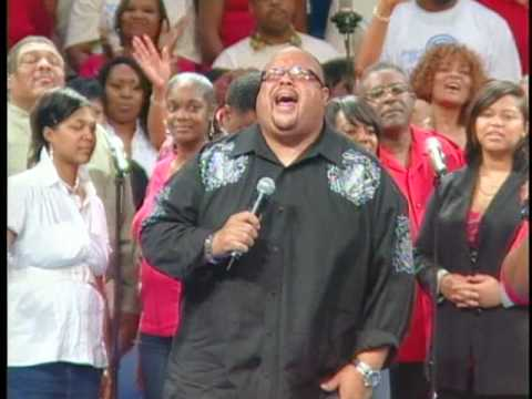 Monica Allen and Fred Hammond singing