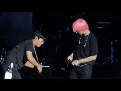 Tae's Stage Accident & Yoongi's Quick Response