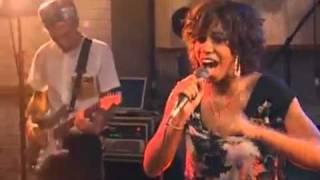 Santigold - Lights Out (Live)
