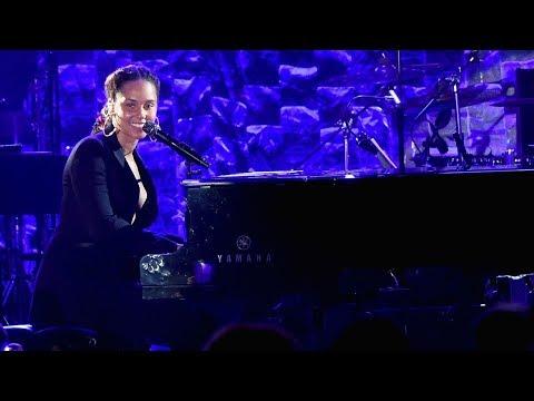 Alicia Keys - Jay Z Tribute (Full)