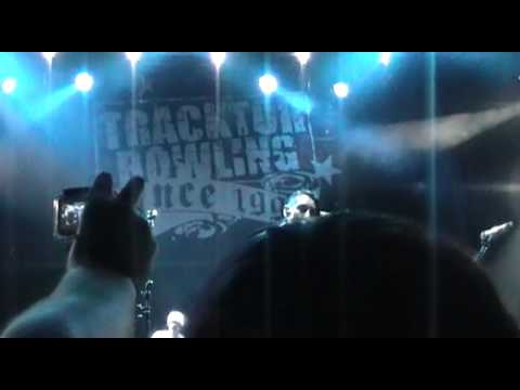 TRACKTOR BOWLING -