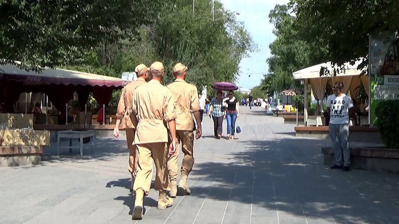Российские солдаты в Гюмри — залог спокойствия или источник тревоги?