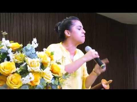 Missionária Camila Barros Palavra Impactante de 24/10/15 Congresso de Mulheres IBE