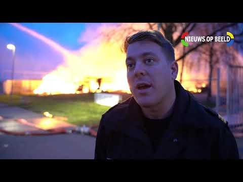 Grote brand verwoest kantine V.V. Deltasport Kooikersweg Vlaardingen 28-03-19 photo