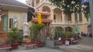 Nhà thờ Xóm Chiếu, Quận 4,Sài Gòn, trưa Mùng 7, Tết Đinh Dậu