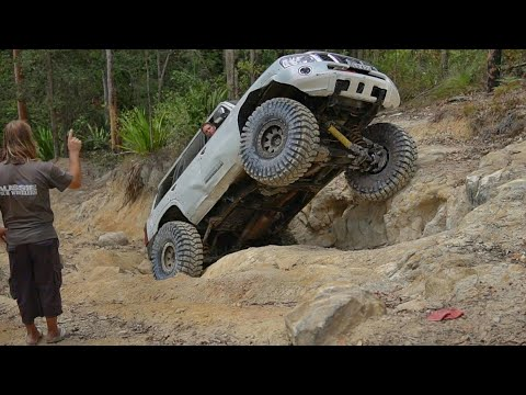 42 Inch Tires 4x4 Rock Crawling @ Commodore Hill