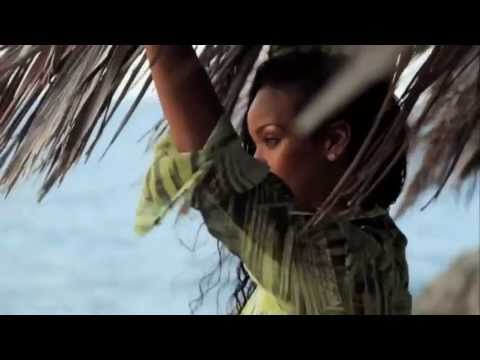 Baixar Rihanna Playing on the Beach in Barbados @ Caribbean Dreams Travel Magazine