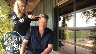 Gwen Stefani Gives Blake Shelton a Quarantine Haircut