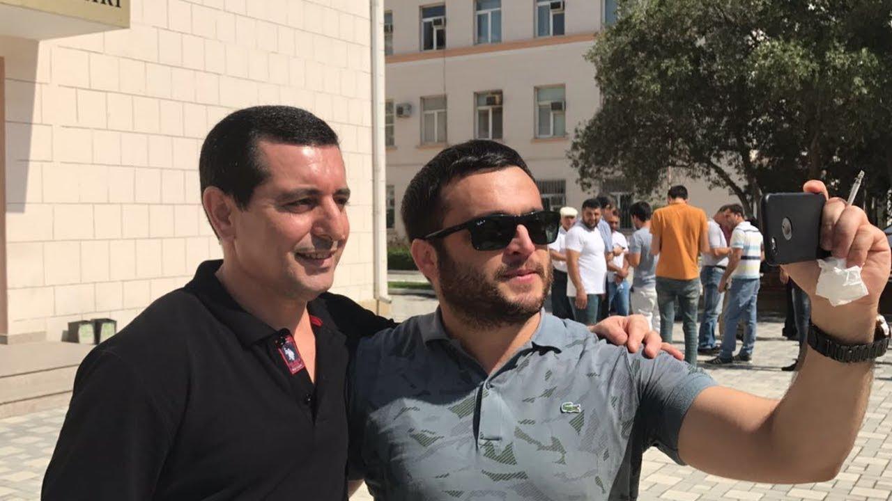 """Финдиректор газеты """"Азадлыг"""" освобожден в зале суда"""