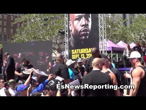 FLOYD MAYWEATHER makes the day of fans in LA EsNews - ESNEWS  - dgCjK_a765Q -