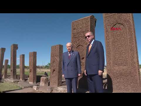 Cumhurbaşkanı Erdoğan, Bitlis'te 'Ahlat Selçuklu Kabristanlığı'nı ziyaret etti