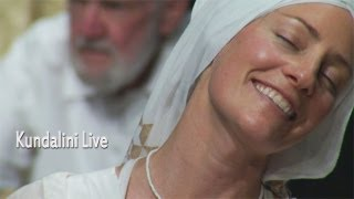 Naomi Charanpal Kaur Teaches Yoga on Kundalini Live