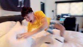 ROOMMATES DESTROY MY BEDROOM IN 1 MINUTE