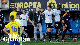 Valencia walk off against Cádiz after Diakhaby accuses opponent of racist abuse