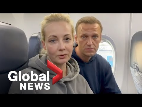 Putin critic Alexei Navalny detained upon landing in Russia