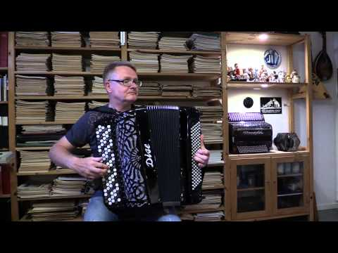 Håkan Widar , accordion, plays Carnival of Venice arr: Frosini