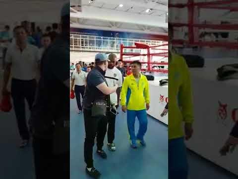 Рой Джонс желает удачи нашим боксёрам на Азиаде