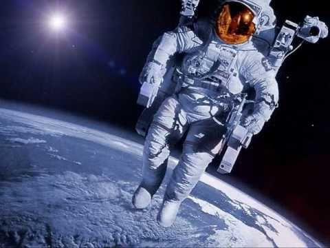 Resultado de imagem para astronauta