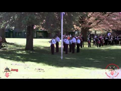 Gezamelijk optreden Brandweerharmonie en Jong Brandweerharmonie tijdens Koninginnedag 2012