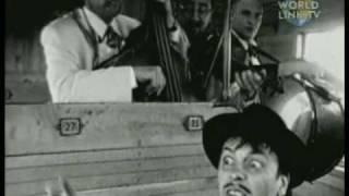 """Emir Kusturica & The No Smoking Orchestra - """"Unza Unza Time"""""""