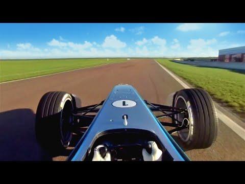 Pierwsze okrążenia bolidu Formuły E