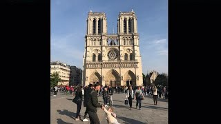 Heartwarming picture taken just before Notre Dame's fire h..