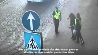 Rīgas pašvaldības policija aiztur vīrieti, kurš nolaupīja sievietei somiņu