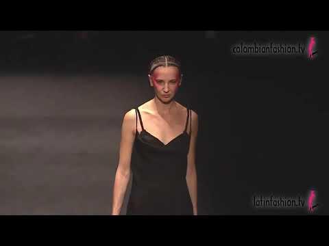 Pasarela Silk de Nicole Rivachi en Colombiamoda 2021
