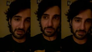 Bollywood hero cries on camera, urges people to stay home..