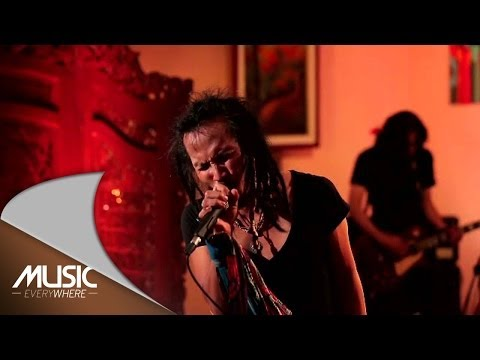 Ipang Lazuardi - Ada Yang Hilang - ft. Didit Saad (Live at Music Everywhere) *