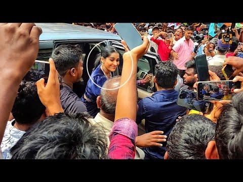 Jabardasth anchor Rashmi mobbed at shopping mall opening in Chittoor