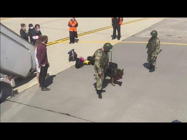 白俄羅斯出動戰機 逼客機迫降抓異議人士