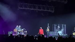Alanis Morissette - Uninvited (Live at Mohegan Sun Arena, 10-20-18) (4K, 60 FPS, Stereo)