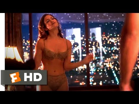 Out of Sight (8/10) Movie CLIP - Hotel Strip Tease (1998) HD