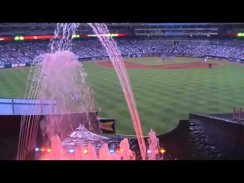 Kaufmann Stadium, Kansas City (Outfield fountains) 07-31-2010