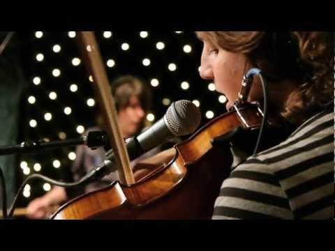 Thao & Mirah - Hallelujah (Live on KEXP)