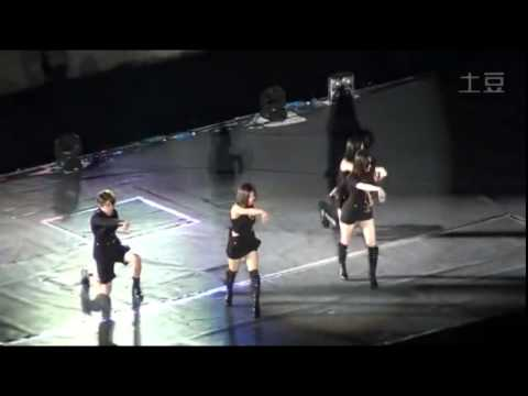 20141018 SMT f(x) Krystal fainted - Red Light Performance