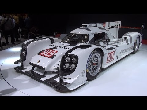 Porsche 919 Hybrid Exterior in 3D 4K UHD