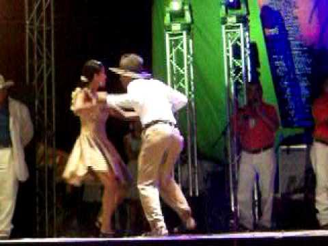 ganadores del alma llanera  2011 en baile de joropo
