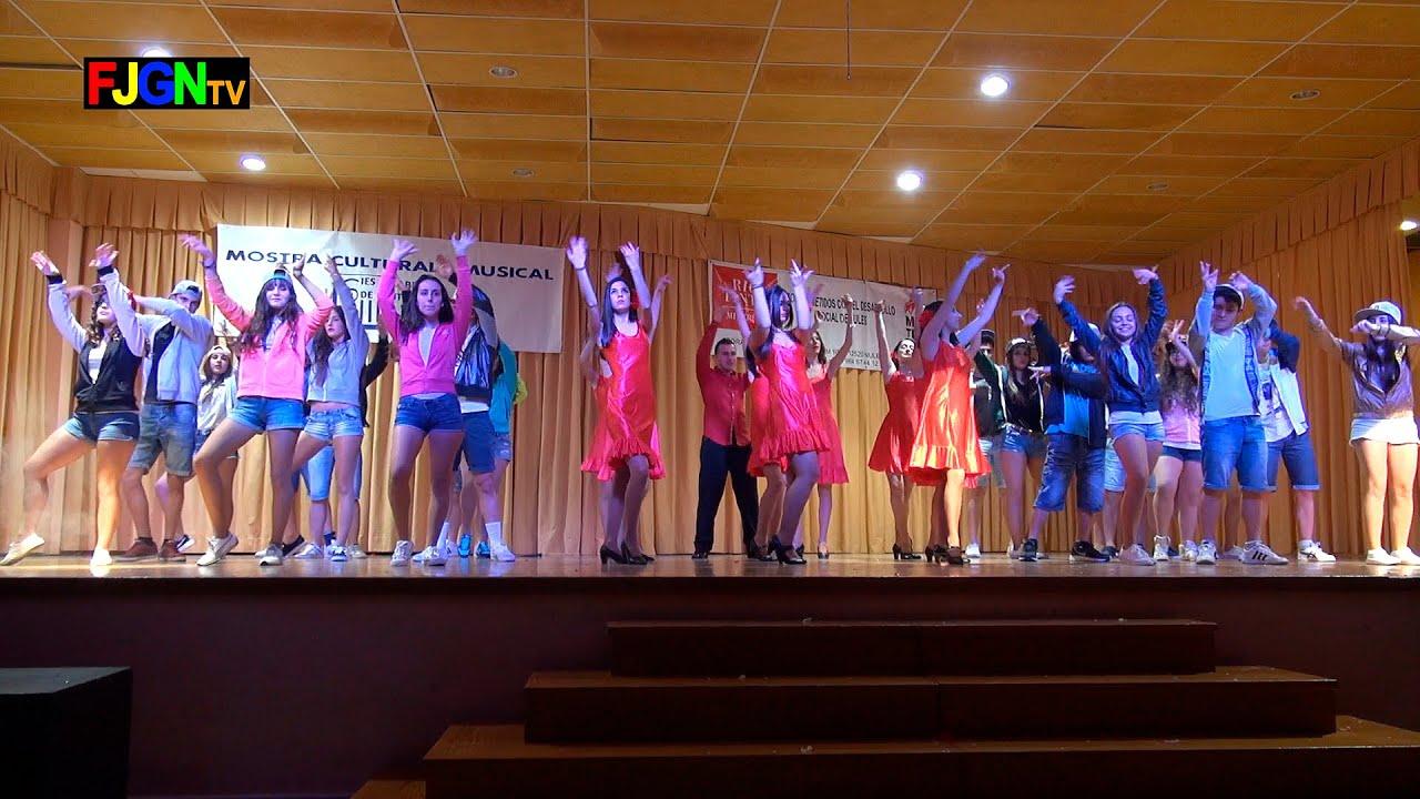 16. Bailando (2º Bach) - XV Mostra musical i cultural IES Gilabert de Centelles 2015 Nules