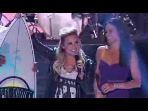 Baixar Demi Lovato performing