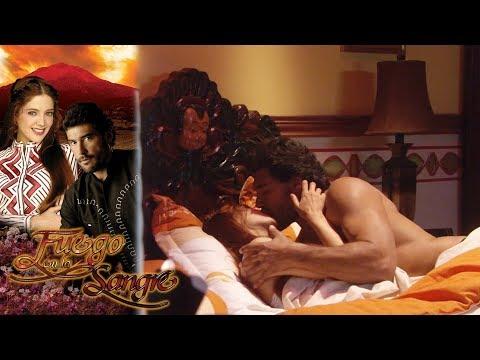 Juan entra a escondidas al cuarto de Sofía   Fuego en la sangre - Televisa