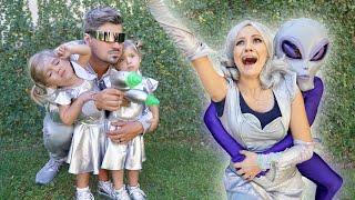 TWINS MISSION TO SAVE MOM *Halloween Special*