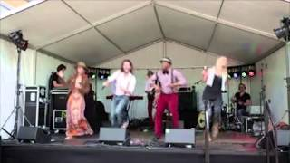 Bekijk video 1 van Blurred Lines op YouTube