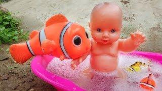 Khủng long vui nhộn, cá hề nemo và em bé đi tắm xà bông - đồ chơi trẻ em G330V Bé Cá
