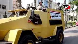 لحظة دخول قوات الجيش إلى جامعة المنصورة لتأمينها