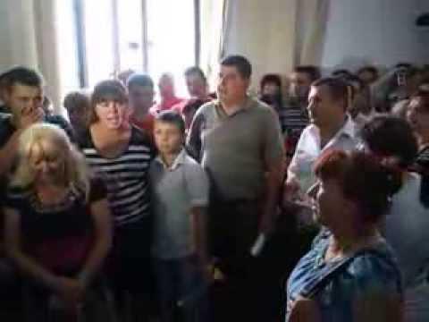 Підприємці Калинки і Добробуту беруть штурмом міську раду у Чернівцях